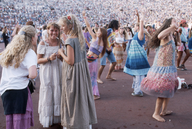 Deadheads Dancing at Show